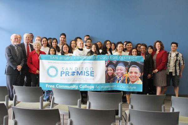 Photo:  Representatives from both the San Diego Community College District and San Diego Unified School District join with San Diego Promise students at today's news conference at San Diego Mesa College. B-roll of today's news conference is available upon request.