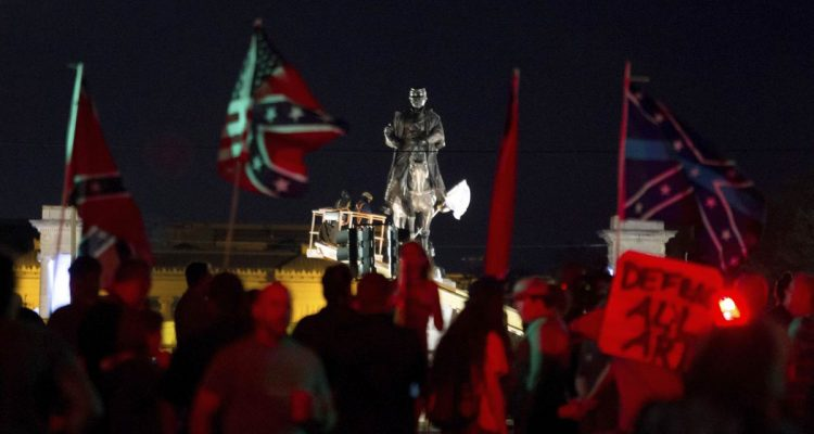 New Orleans Prepares To Take Down Statue Of Gen. Robert E. Lee