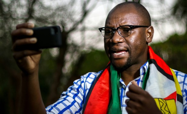 #ThisFlag leader Mawarire arrested for 'praying with students' at protest